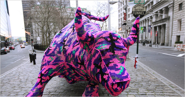 Awesome yarn bombing