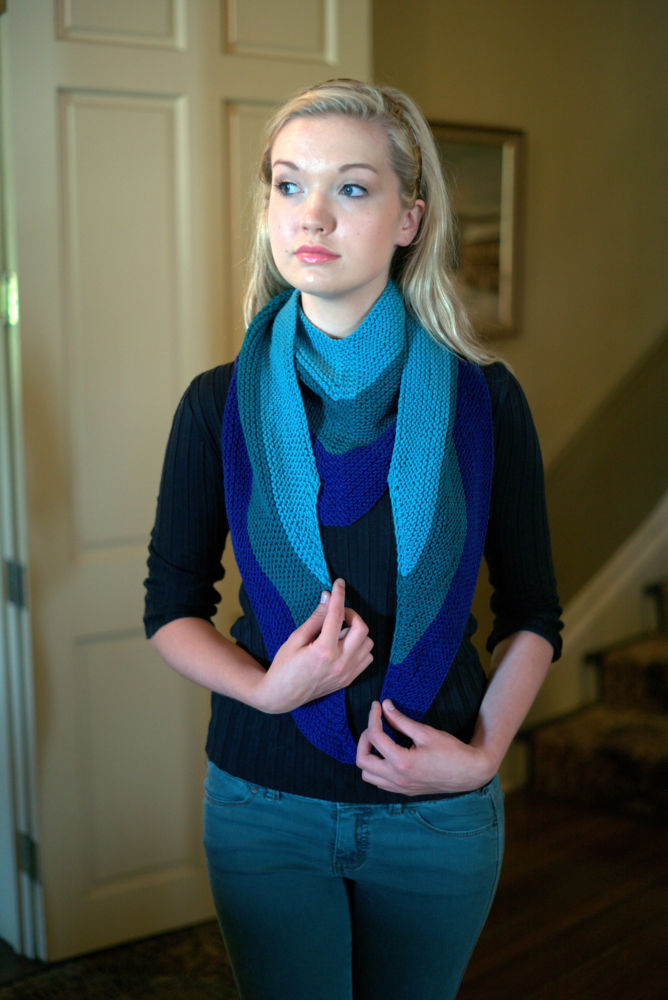 Easy Dk Merino Superwash Tri Colored Triangle Scarf