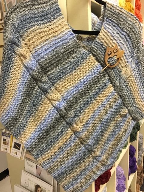 Free Poncho Pattern from Mobile Yarn