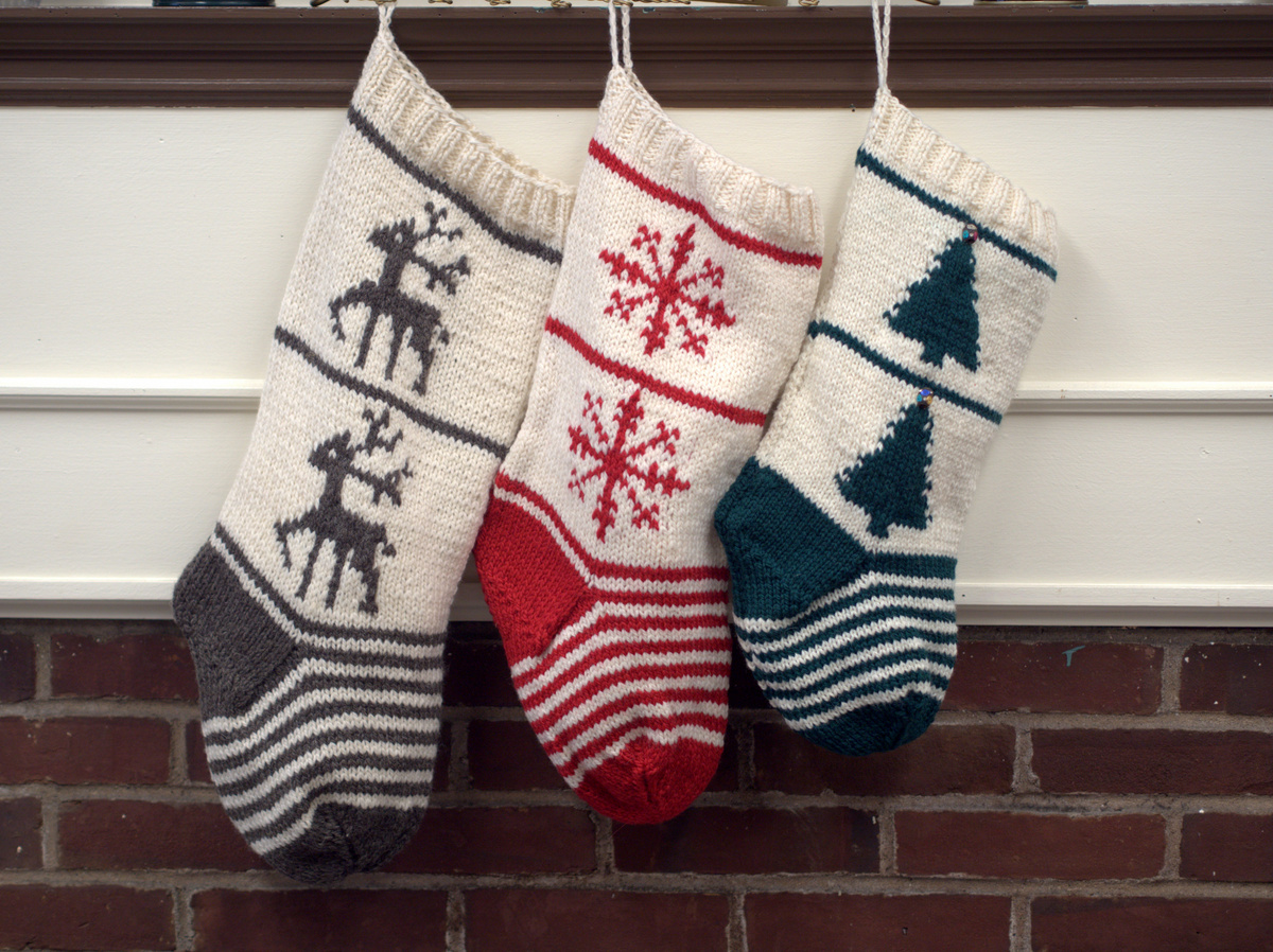 Free Knitting Pattern- Homestead Christmas Stockings Trio