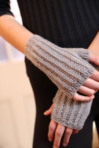 Free Pattern F803 Cuzco Cashmere Fingerless Mitts